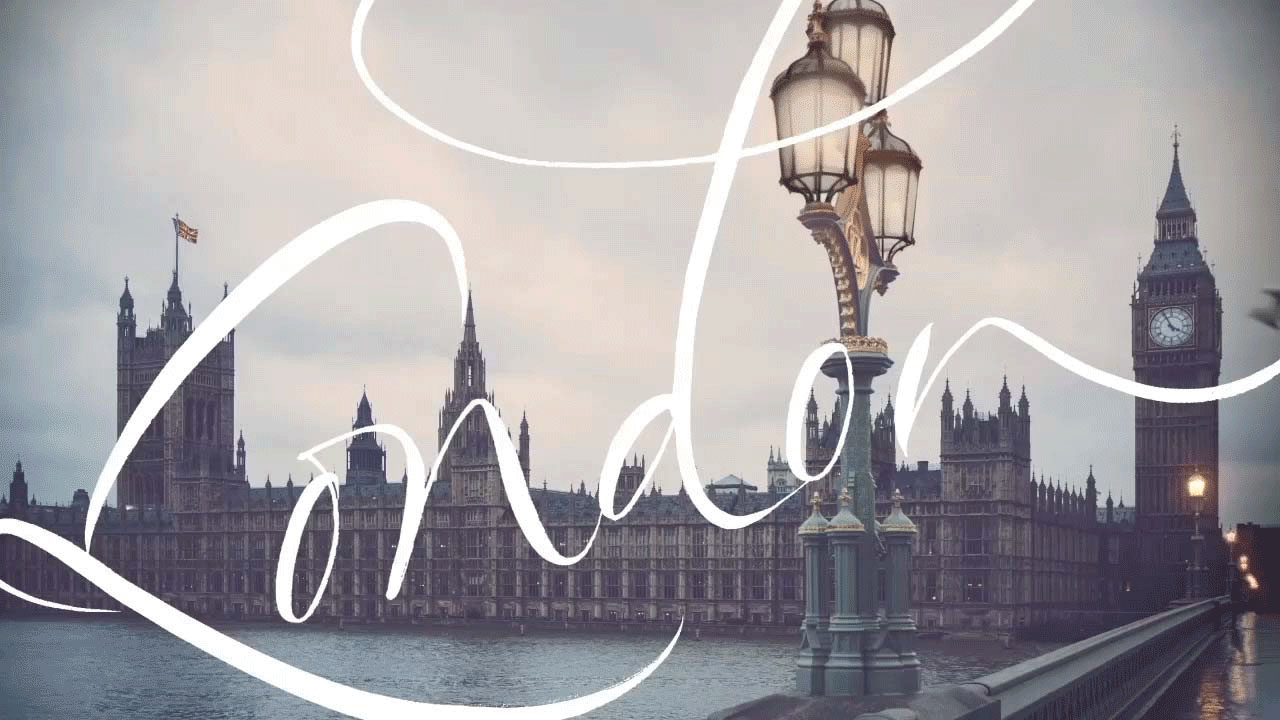 WATCH THE BURBERRY A/W 2015 SHOW LIVE!